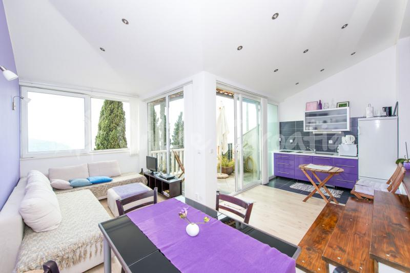 Apartament Purple